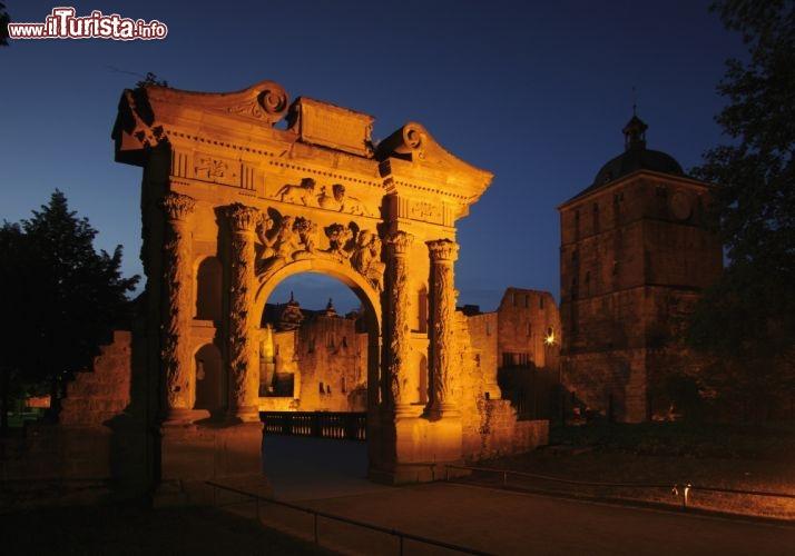 La porta elisabeth nella parte ovest del castello - Ugc porta di roma programmazione ...