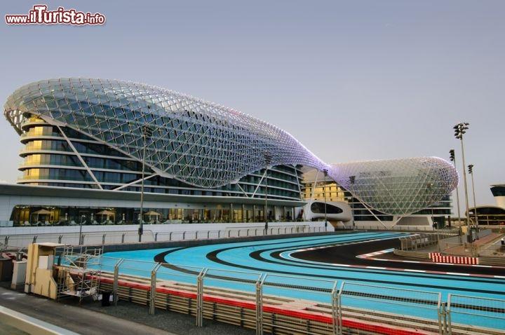 Il Circuito Automobilistico Yas Marina Di Abu Foto