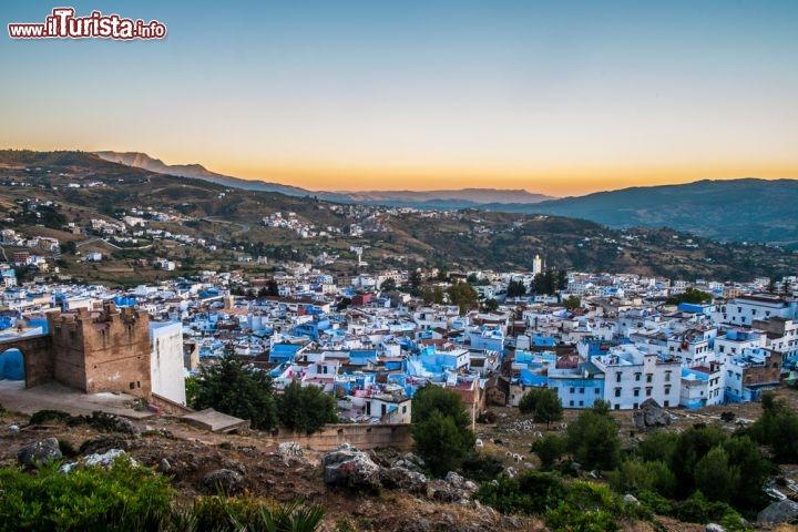 Case Blu Marocco : Alba a chefchaouen in marocco: spettacolari le foto chefchaouen