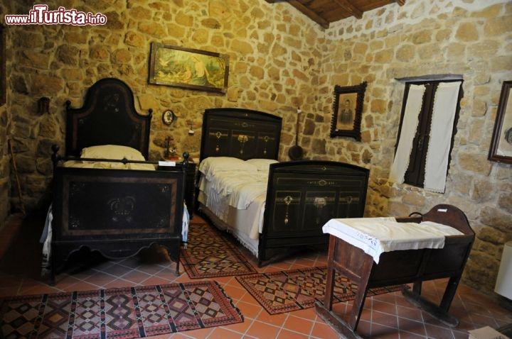 Il meoc di aggius ospita nelle sue ampie sale foto aggius - Camera da letto antica ...