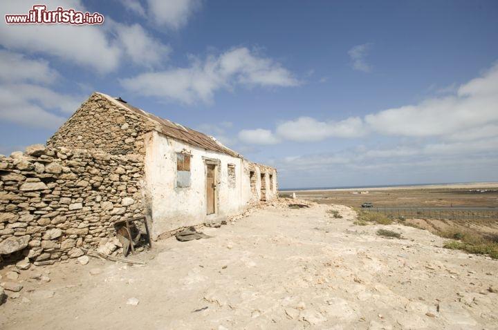 Antica casa a capo verde ci troviamo dull 39 isola for Disegni della casa del merluzzo del capo