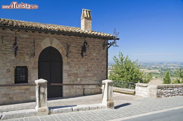 Un 39 antica casa nel borgo umbro di assisi foto assisi for Immagini di case antiche