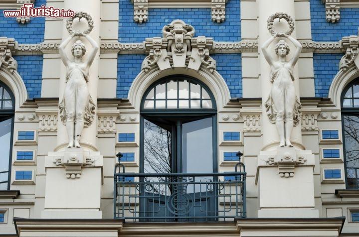 Casa art nouveau che rispecchia lo stile jugendstil for Piani di casa in stile piantagione del sud