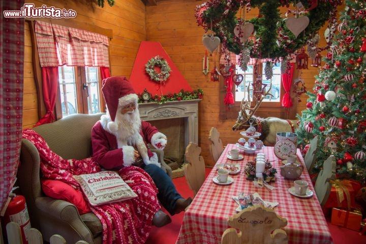 La Casa Di Babbo Natale Immagini.I Villaggi E Le Case Di Babbo Natale Piu Belle In Italia