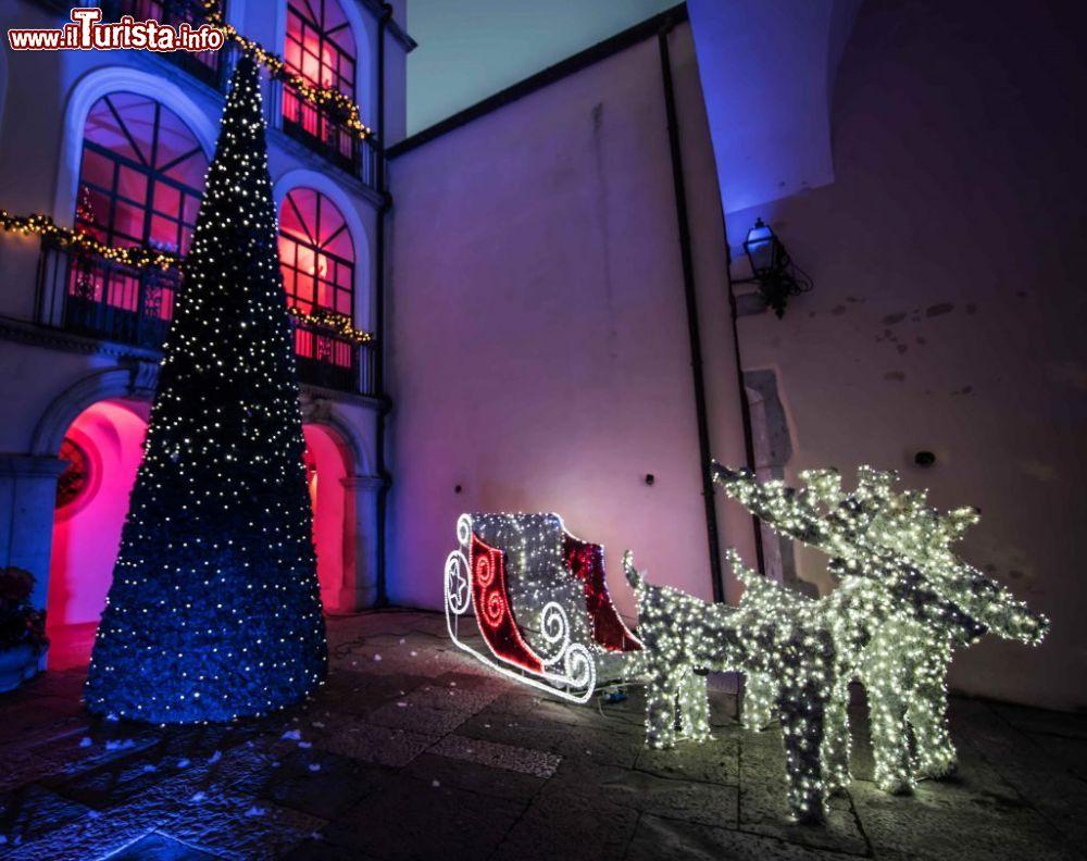 Dove Si Trova Ora Babbo Natale.I Mercatini Di Natale A Candela Date 2018 E Programma