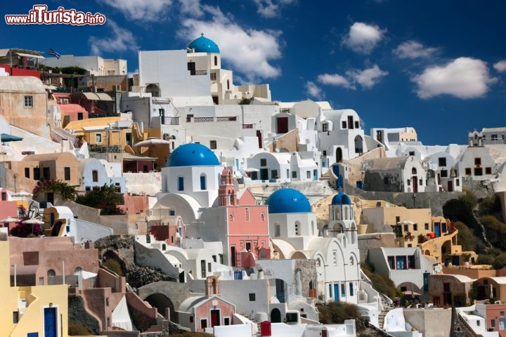Case tipiche di thira sull 39 isola di santorini foto for Fotografie case