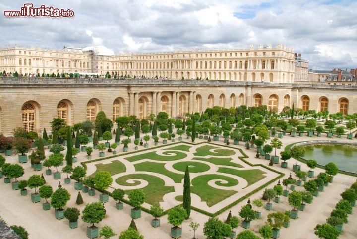 Castello di versailles e giardino dell orangerie foto