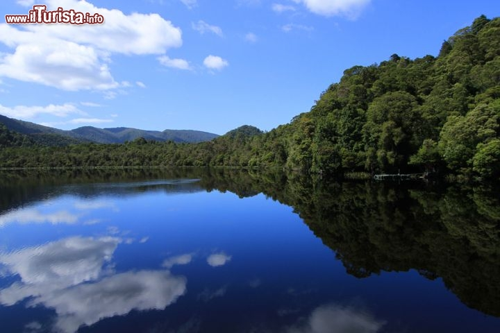 Immagine Crociera sul Gordon River in Tasmania (Australia) - © Houshmand Rabbani / Shutterstock.com