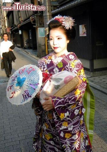 Donna abito tradizionale giappone foto di giulio for Disegni tradizionali giapponesi