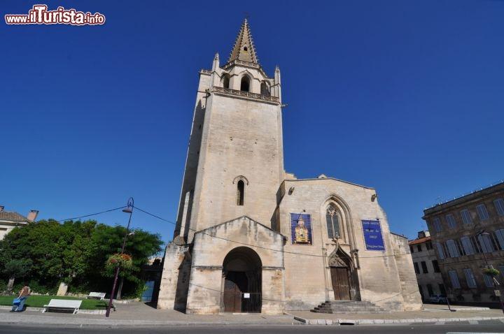Facciata ovest della chiesa di santa marta a foto - Simboli di immagini della francia ...
