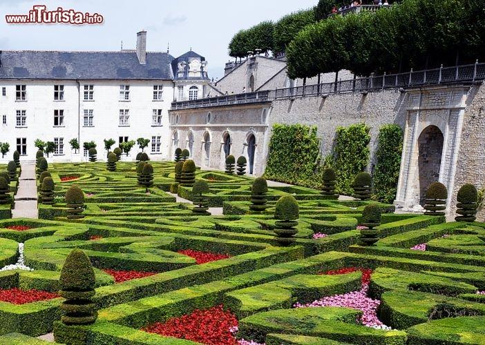 I giardini fioriti del castello villandry valle for Foto giardini fioriti