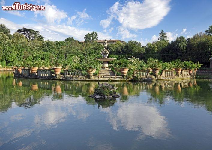Giardini di boboli a firenze si trovano compresi foto firenze for Puglia garden city ny