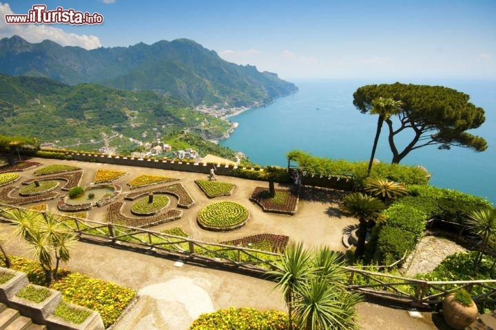 Il Giardino E La Terrazza Panoramica Di Villa Foto Ravello