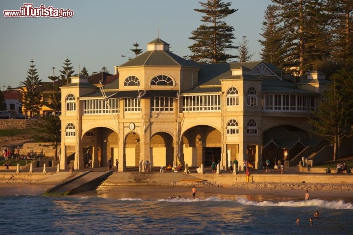 Immagine Il pavillion di Cottesloe Beach a Perth, Australia. 76030852