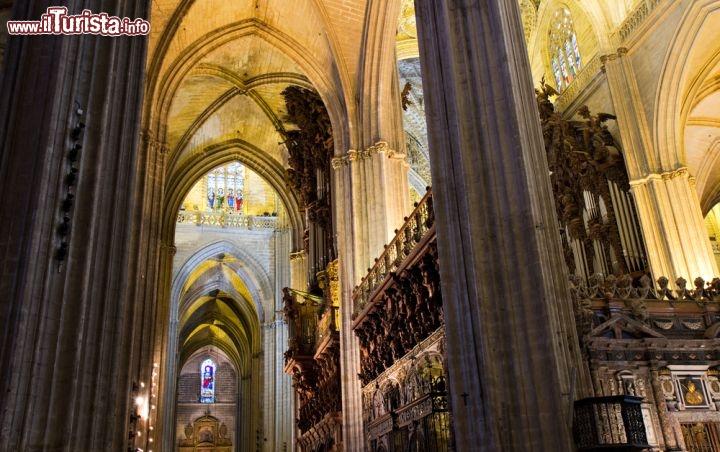 L 39 interno della cattedrale di siviglia foto siviglia for Corso di arredatore d interni