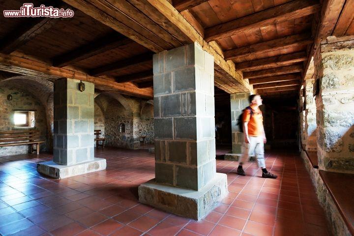 L 39 interno del monastero aghia triada meteora foto meteora - Come sistemare l interno dell armadio ...
