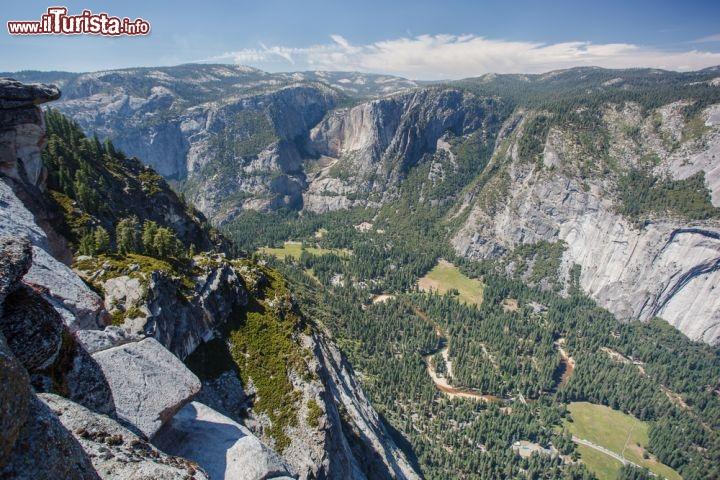 la valle e le rocce granitiche di yosemite il foto
