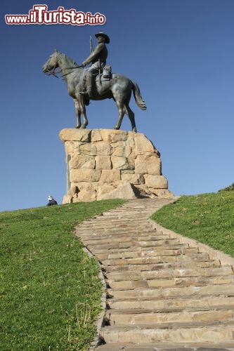 Immagine Monumento equestre a Windhoek in Namibia - © dirkr / Shutterstock.com