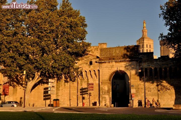Mura di avignone e porta di accesso occidentale foto - Ugc porta di roma programmazione ...