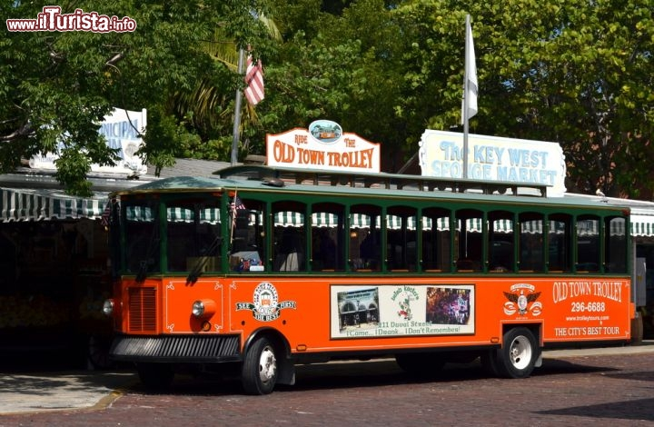 In tour con l 39 old town trolley car key west foto for Stile key west