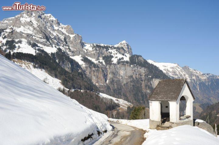 Paesaggio invernale a engelberg svizzera comune for Disegni paesaggio invernale