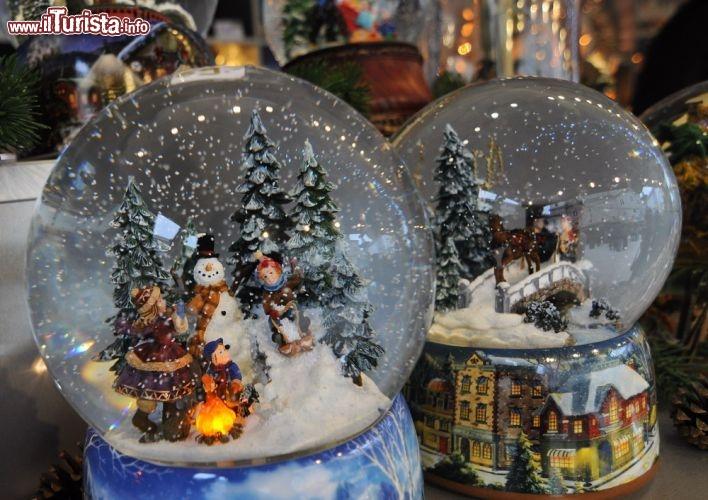 Palle Di Natale Con Neve Automatica Foto Salisburgo