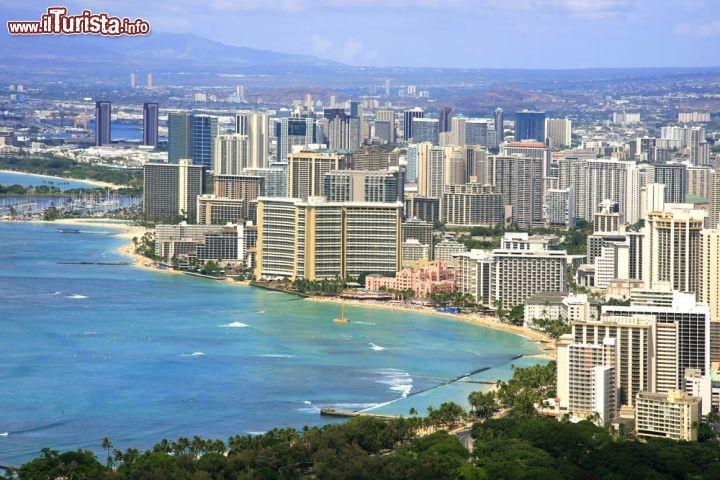 Panorama Della Spiaggia Di Waikiki Beach E Foto