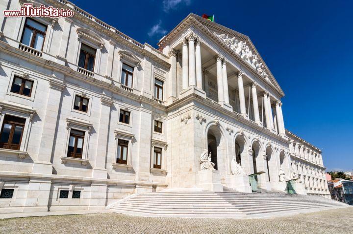 Palazzo di s o bento sede del parlamento foto lisbona for Sede del parlamento