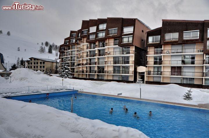 In piscina alle les deux alpes il bagno nelle foto for Piscine les deux alpes