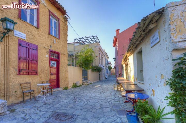 Il quartiere di plaka ad atene si tratta di foto atene for Ristoranti ad atene