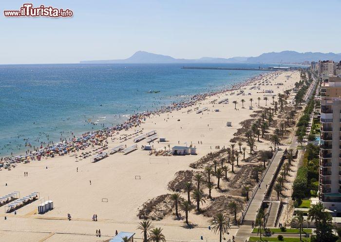 Playa de gandia la enorme spiaggia si trova foto ganda for Oficina turismo benidorm