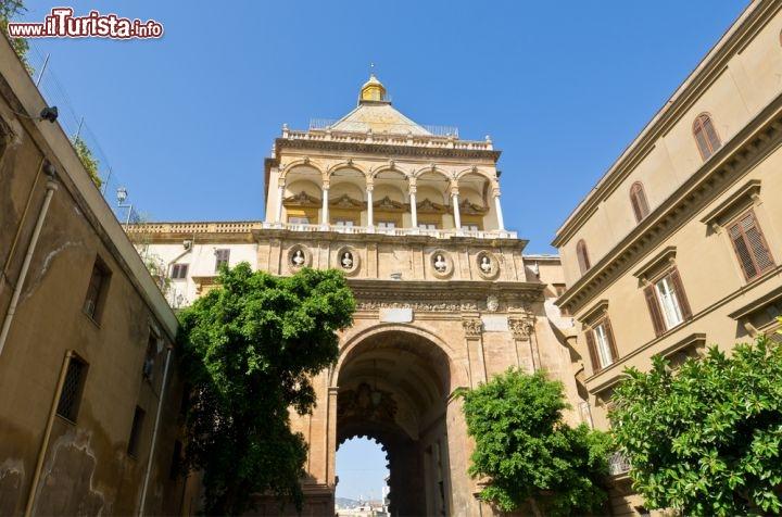 La porta nuova di palermo sicilia foto palermo - Porte a palermo ...