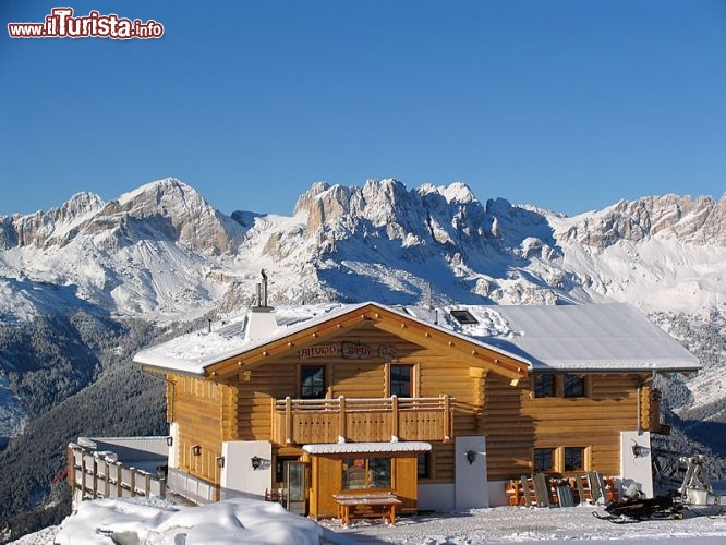 Rifugio baita cruz sciare in trentino alto adige for Arredamento trentino alto adige