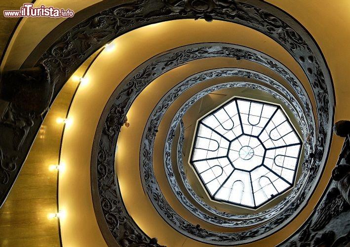 Scala elicoidale musei vaticani roma foto citt del vaticano - Scale a chiocciola roma ...