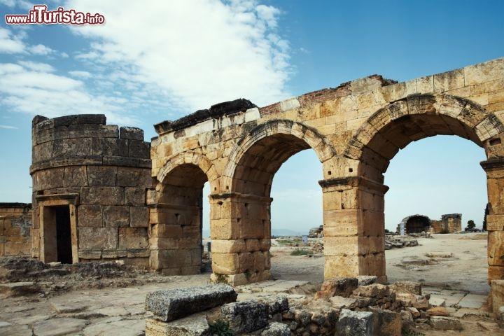 Sito archeologico di hierapolis in turchia questo for Immagini sito