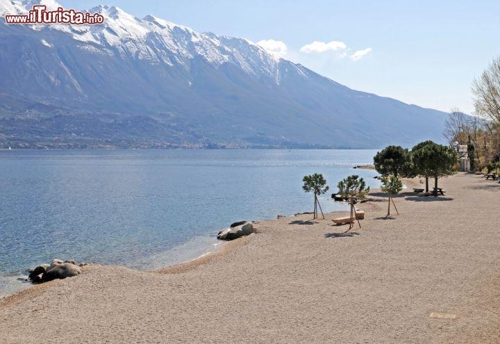 Spiaggia in primavera limone sul garda grazie - Immagini da colorare la spiaggia ...