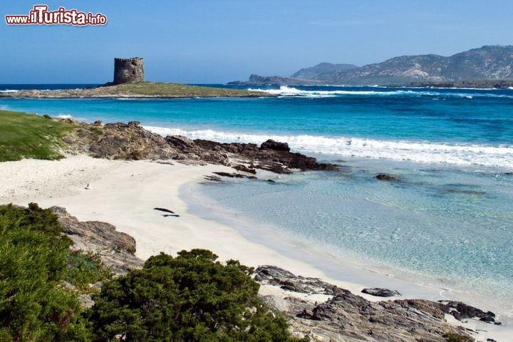 Le spiagge pi belle della sardegna da nord a sud dell 39 isola for Isola che da il nome a un golfo della sardegna