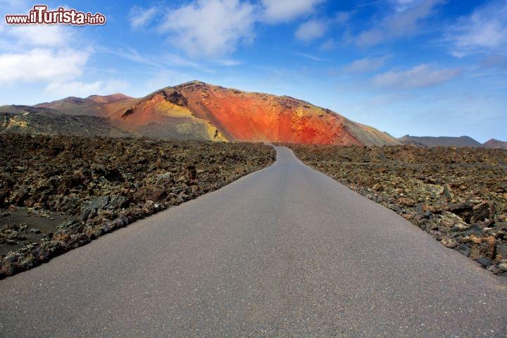 Strada Parco Nazionale Timanfaya Vulcano Lanzarote Canarie