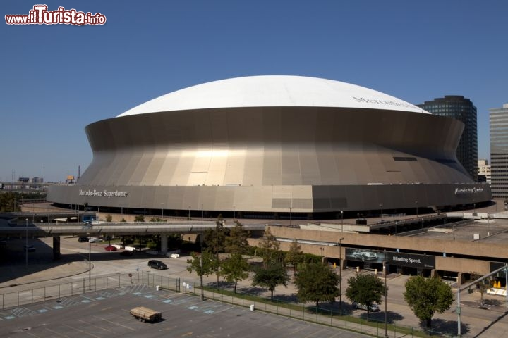 Mercedes benz superdome new orleans conosciuto for Mercedes benz superdome new orleans la