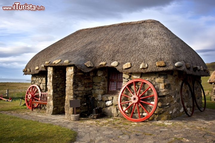 Un tipico thatched cottage sull 39 foto skye for Piani casa isola cottage