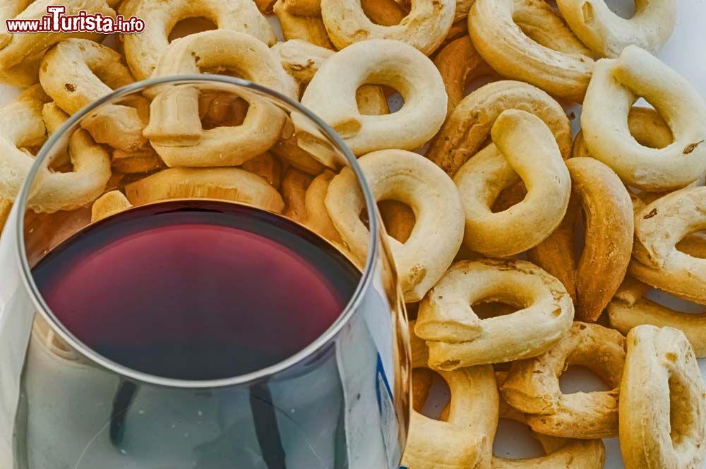 Sagra dei Tarallucci e Vino Alberobello