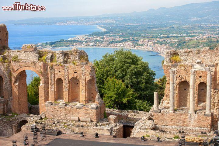L 39 anfiteatro romano greco di taormina con foto taormina - Incidente giardini naxos oggi ...