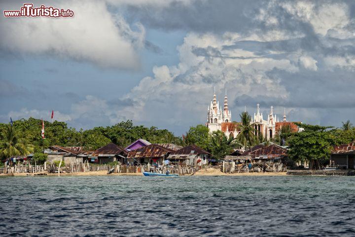 Pulau Una Una Indonesia  City new picture : Pulau Bunaken è una piccola isola fecente parte della provincia del ...