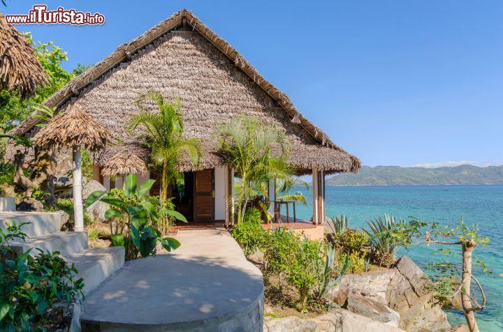 Un bungalow affacciato sull 39 oceano nella foto nosy komba for Fantastici disegni di bungalow