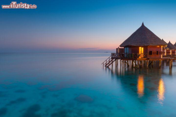 Il bungalow di un resort su un 39 isola delle foto maldive for Fantastici disegni di bungalow