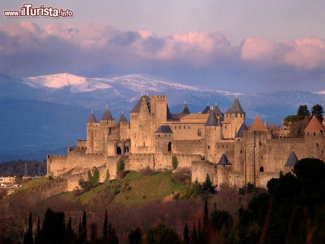 La cit fortificata di carcassonne linguadoca rossiglione for Cabine romantiche nel sud della california