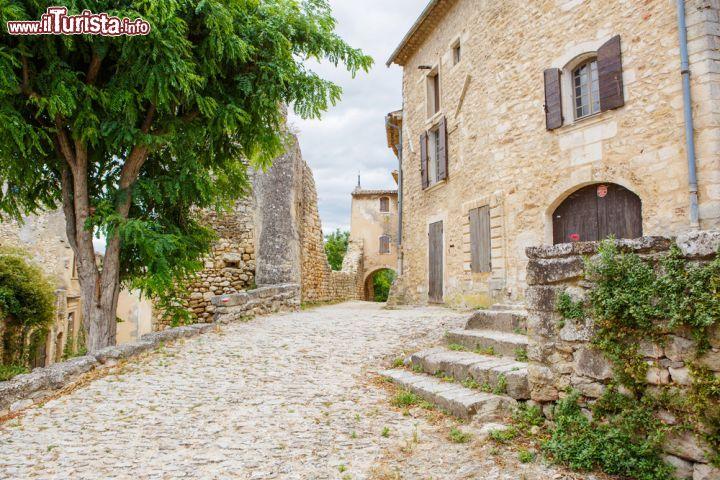 Case in sasso a gordes francia sono tutti foto gordes for Disegni di case in pietra calcarea