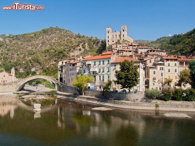 Dolceacqua liguria alla scoperta del borgo medievale for Immagini di laghetti