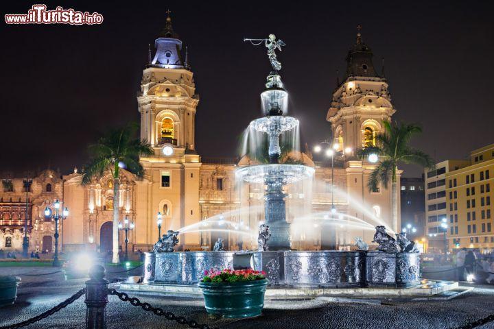 La Cattedrale Di Lima  Per U00f9  In Un U0026 39 Immagine