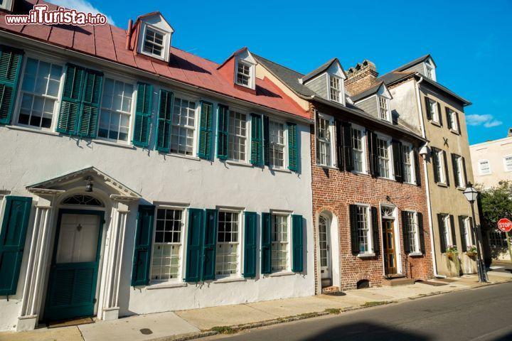 In alcune case della citt di charleston foto charleston for Case in stile francese